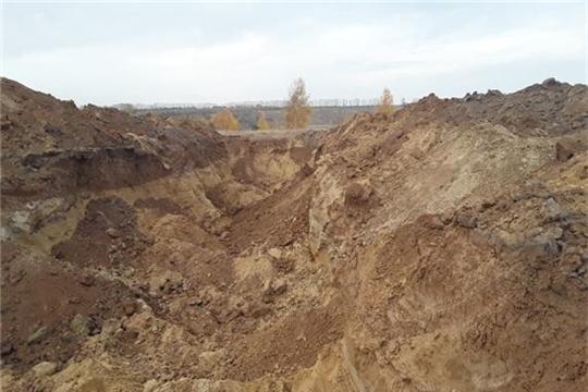 На сельхозземлях велась добыча песка