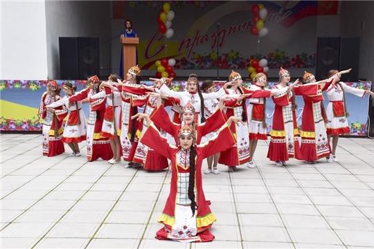 Хлебом - солью встречает город Шумерля почетных гостей праздничного торжества!